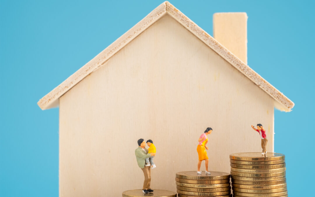 An Insurance Agent Guides You On To How Much Home Insurance You Need
