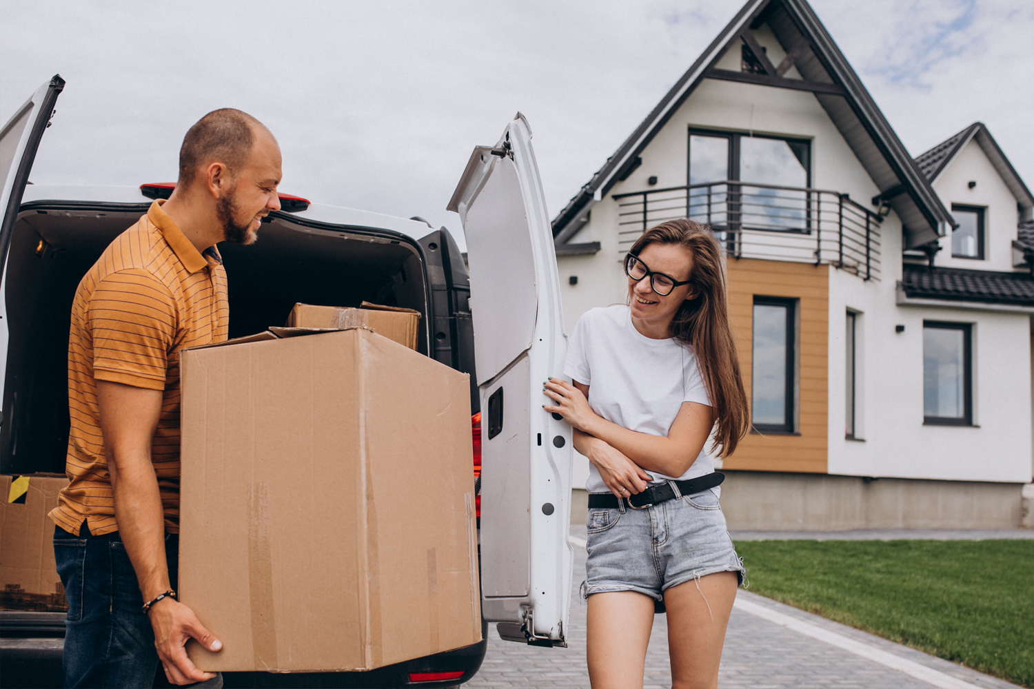 Couple moving in to a new house