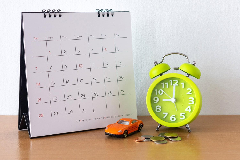 Calendar car and clock