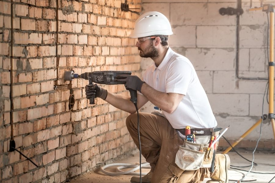 Trying to Find a Good Contractor: A Home Renovation Horror Story