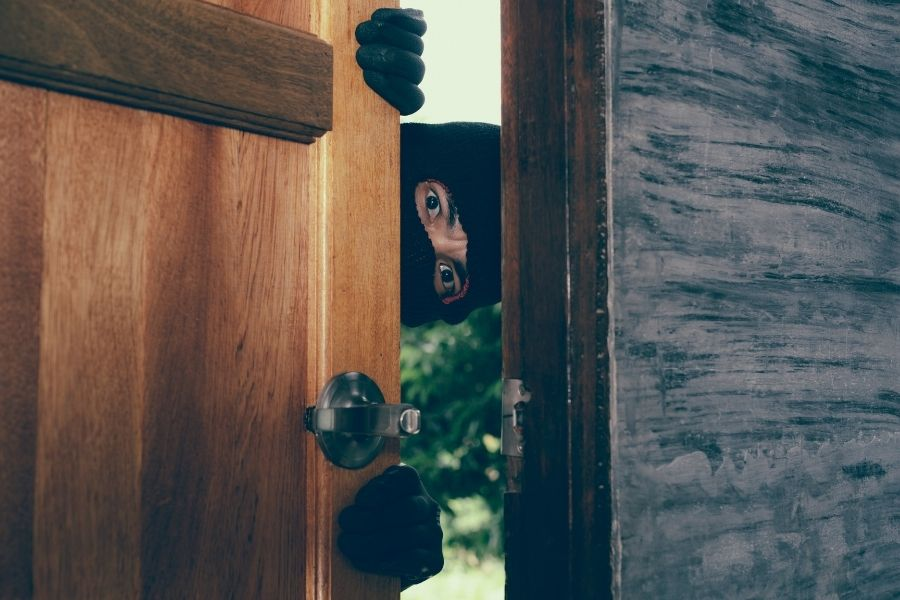 A Holiday Heist: Burglars and Your Home Insurance