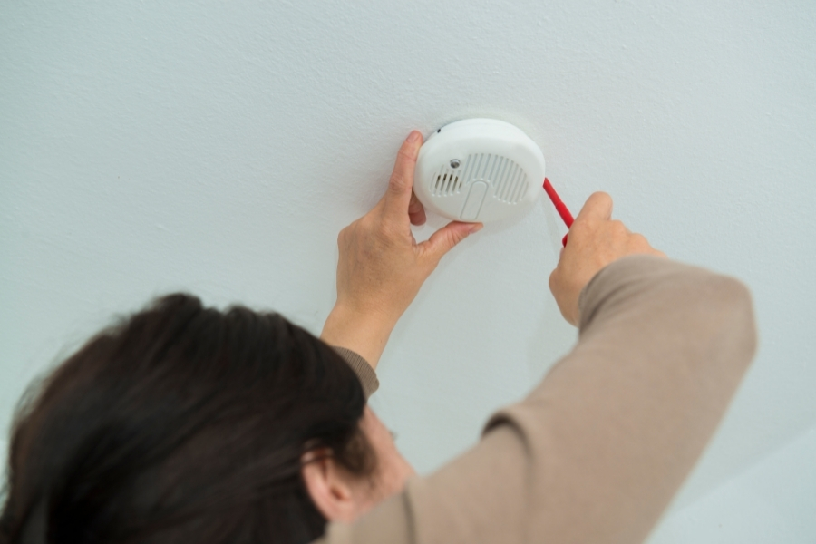 Smart Home Technology in Terms of Fire Prevention and Detection